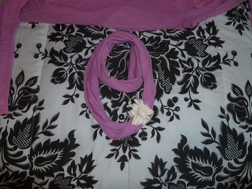 Infinity scarf with flower
