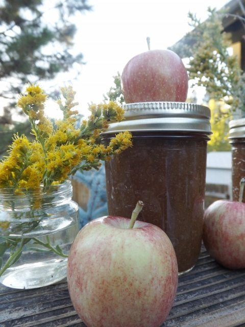 Learn how to make apple butter with this easy tutorial and canning instructions. Plus, check out her secret ingredient for the best apple butter ever. You'll want to use this ingredient every time you make apple butter from here on out.