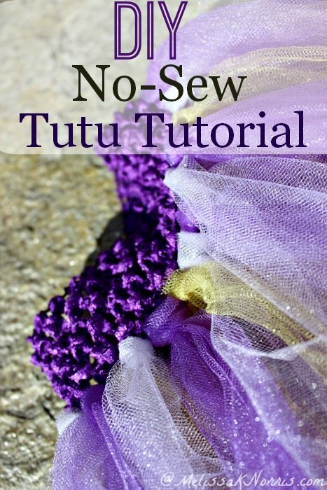 Need a quick and easy craft? This no-sew tutorial is perfect for both little and big girls. Easy, no gluing, pinning, or sewing required. Perfect for school colors or to make multiple ones for different holidays.