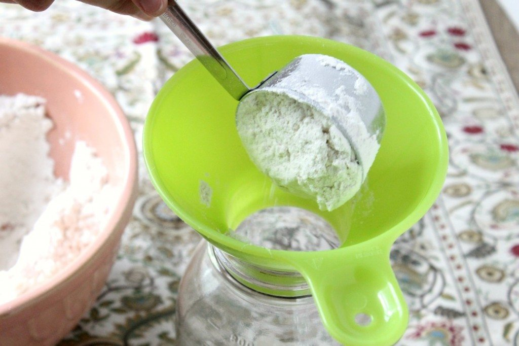 DIY no-knead bread mix in a jar tutorial. Perfect for a gift or to save on prep time for busy nights