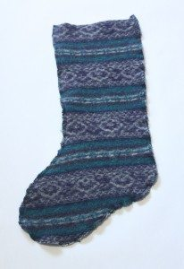 Turn an old sweater into a stocking! Perfect way to recycle and repurpose something into a Christmas gift or decoration. Love this old-fashioned look and I'm hitting up the thrift stores!