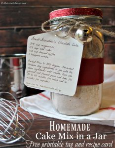 How to make homemade cake mix recipes in a jar. Never buy a boxed cake mix again with this recipe and free printables and recipe cards!